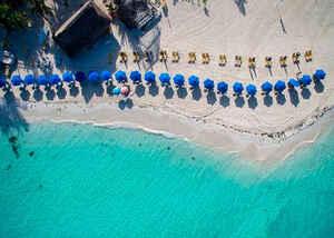 ¡Cancún nos espera !